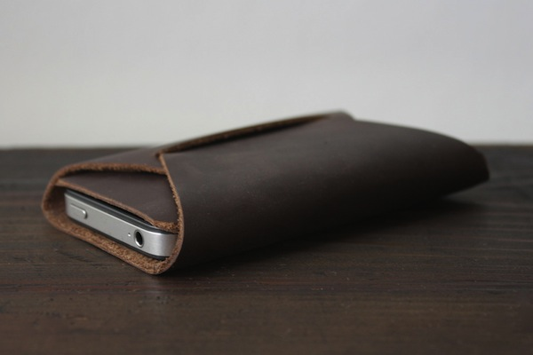 The Apogee Handmade Folded iPhone Carry