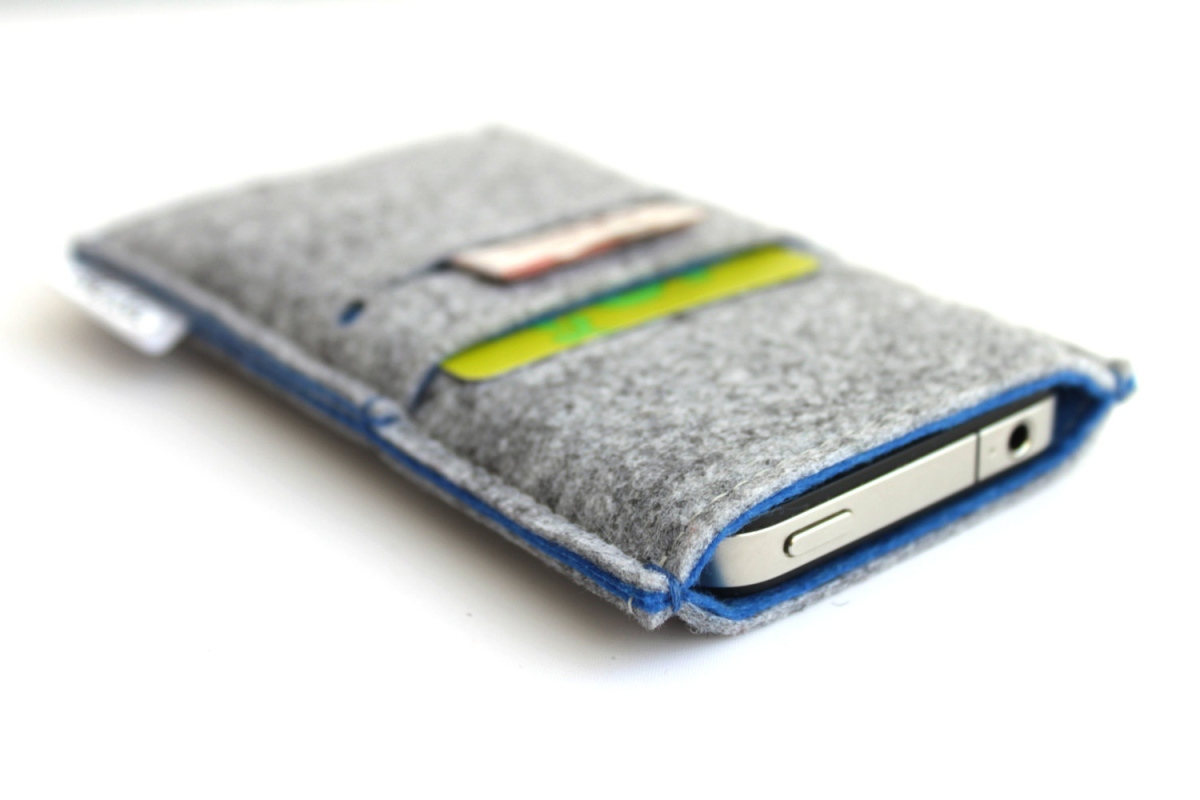 Bholsa iPhone Sleeve + Wallet