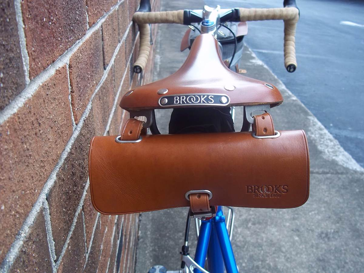 "Brooks ""Challenge"" — Leather Tool Bag for Cyclists"